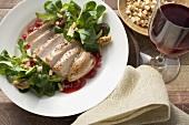 Fasanenbrust mit Preiselbeersauce und Feldsalat