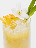 Pineapple drink with ice cubes (close-up)
