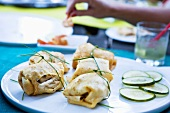 Crêpe parcels filled with chicken