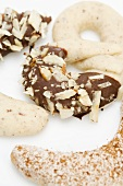 Cinnamon crescents and hazelnut pretzels