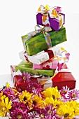 Geschenke, sommerlich verpackt, Chrysanthemen