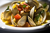 Clams with Chopped Bell Peppers