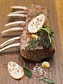 Rack of lamb with herbs, garlic and fried potatoes