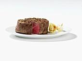 Roast beef fillet with garlic