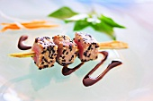 Tuna skewer with balsamic vinegar