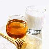 Honigglas, Honigheber und Milchglas