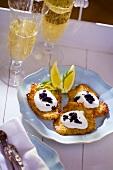 Potato rösti with caviar and champagne