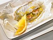 Safran-Fisch in Pergament