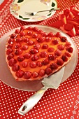 Heart-shaped raspberry flan for Valentine's Day (for diabetics)