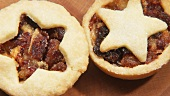 Rotating mince pies