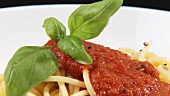 Spaghetti with tomato sauce and basil
