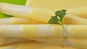 Weisser Spargel mit Sauce Hollandaise