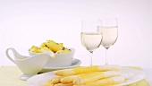 White wine, potatoes & white asparagus with Hollandaise sauce