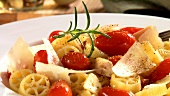 Rotelle with cherry tomatoes and Parmesan