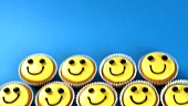 Cupcakes with amusing faces