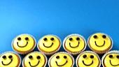Cupcakes mit lustigem Gesicht