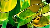 Grüne Flaschen (Abstrakt)