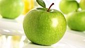 Grüne Äpfel (Sorte: Granny Smith)