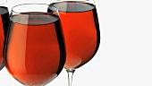 Drei Gläser Rotwein