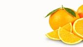 Orangen, ganz und aufgeschnitten