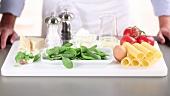 Zutaten für Cannelloni mit Spinat-Ricotta-Füllung