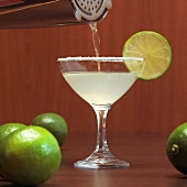 Margarita with slice of lime