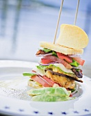 Club sandwich (with chicken and tomato)