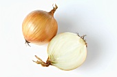 Whole onion and half an onion