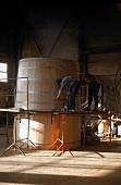 Weinfässer Produktion - Riesenfaß für 8000 Wein