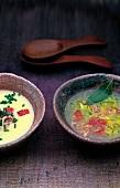 Kartoffel-Aal-Suppe in rustikaler Schale