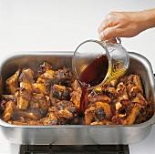 Beef.  Jus zubereiten, mit Rotwein ablöschen: Step 3