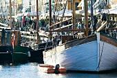 Altes Schiff im Nyhavn in Kopenhagen , Dänemark.