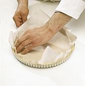 Buch der Kuchen und Torten: Step 3: mit Papier abdecken