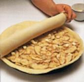 Buch der Kuchen und Torten: Apple pie, Step1, mit Teig abdecken