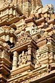 Indien, Fassade des Kandariya Mahade v Tempels, Details