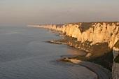 Blick auf Meer und Steilküste von d'albâtre, malerisch