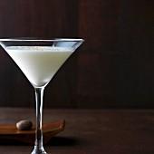 Gin Alexander: Gin mit Sahne & Muskatnuss im Martiniglass