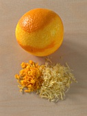 Weihnachtsbäckerei, Orangenu. Zitronenschale abreiben