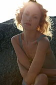 Portrait: Blonde Frau, natürlich, verträumt, Abendsonne, Kamerablick