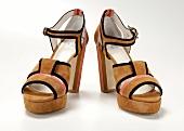 Freisteller: Wildleder-Sandaletten, braun