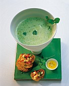 Foamy pea soup with grilled bread