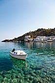 Kreta: Bucht vor Loutró, Boot, malerisch
