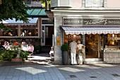 Schwarzwald: Baden-Baden, Lichten- taler Straße, Café König, aussen