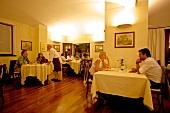 Italien, Piemont, Speisesaal Restaurant 'I Bologna'