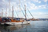 Türkei, Bodrum, Hafen, Segelschiff