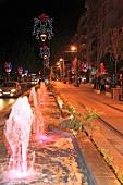 Antalya: Çetinkaya caddesi, Straße abends, Lichter