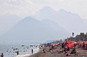 Antalya: Konyaalti, Strand, Massen- tourismus.