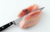 Huhn, Hähnchenbrust ohne Knochen ablösen