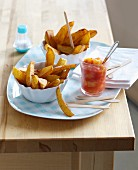 Homemade chips with tomato chutney