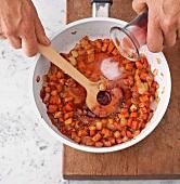 Fleisch, Gemüse mit Rotwein ablöschen, Step 3